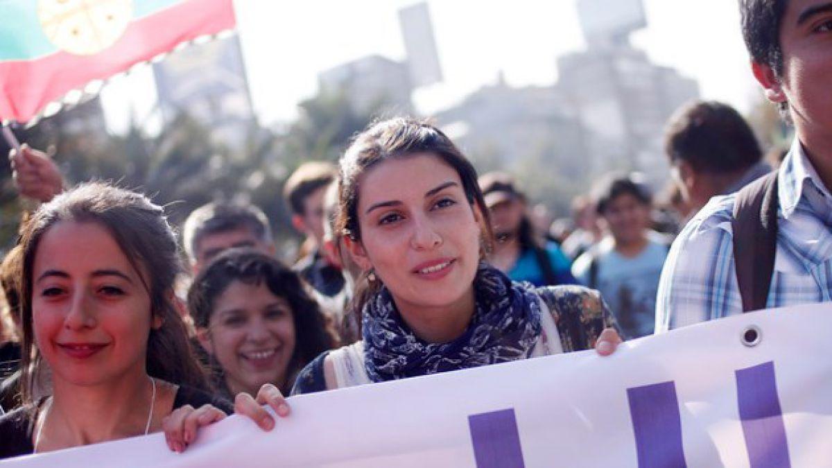 Marcha por la educación: Estudiantes realizan nueva movilización por la reforma educacional