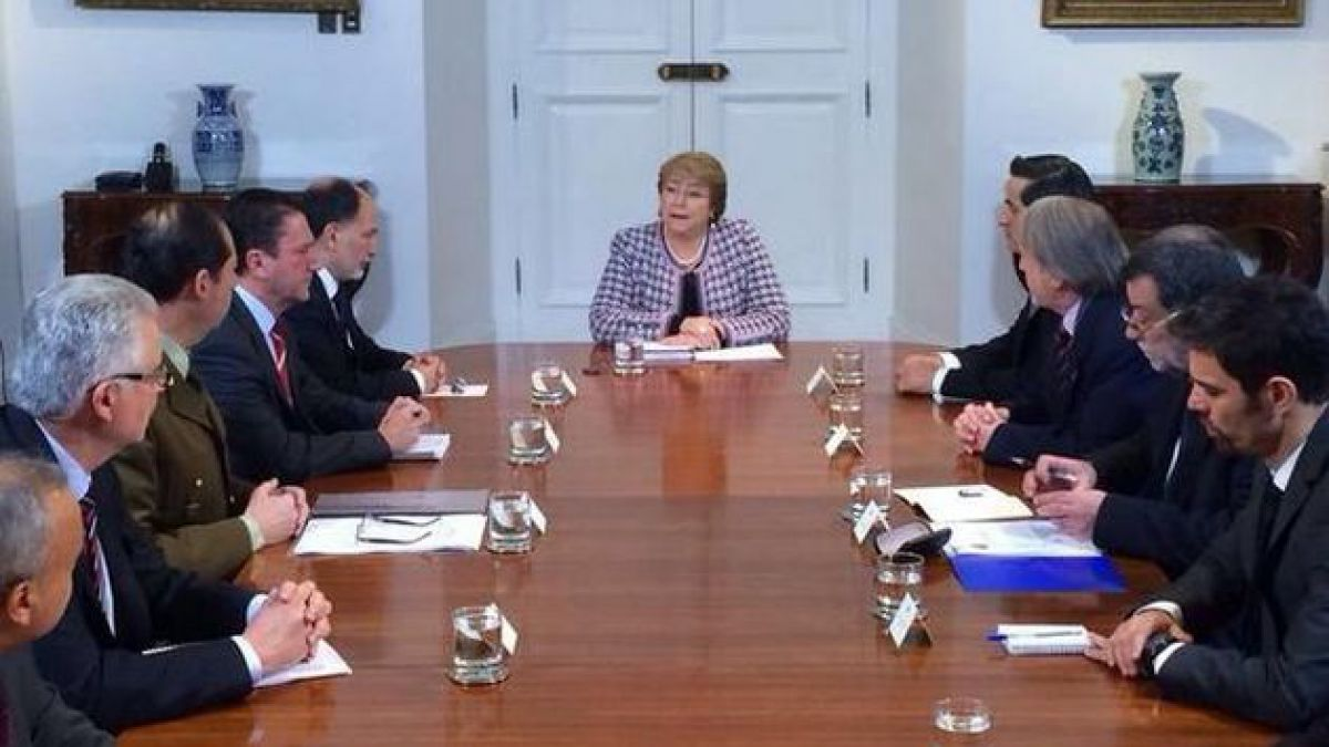Presidenta Bachelet encabeza consejo de seguridad tras ataque explosivo en Escuela Militar