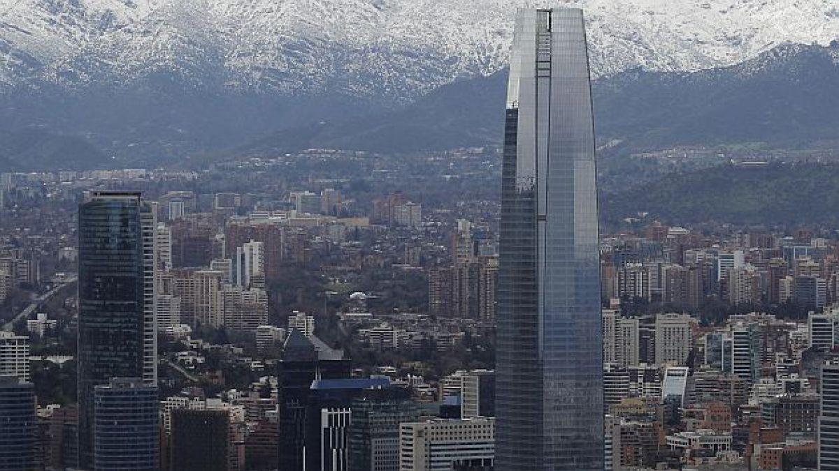 Cencosud abrirá torre de Costanera Center por etapas tras cierre de acuerdo de mitigaciones