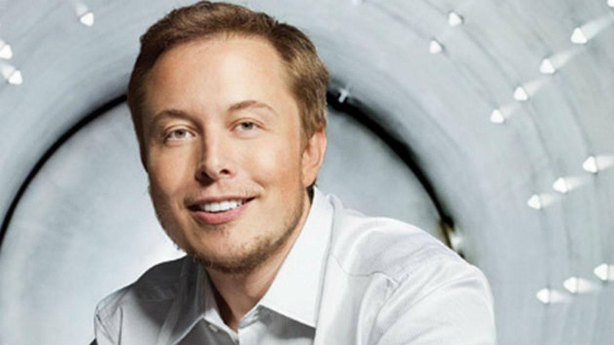 Elon Musk, fundador de Tesla: Robots podrían eliminar humanos, como spam
