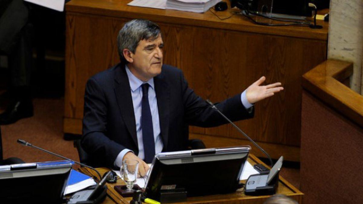 Escalona apunta a consultora de Andrés Velasco como una de las ideólogas del Transantiago