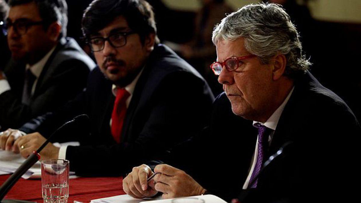 UDI reactiva interpelación a ministro Eyzaguirre y busca definir ofensiva