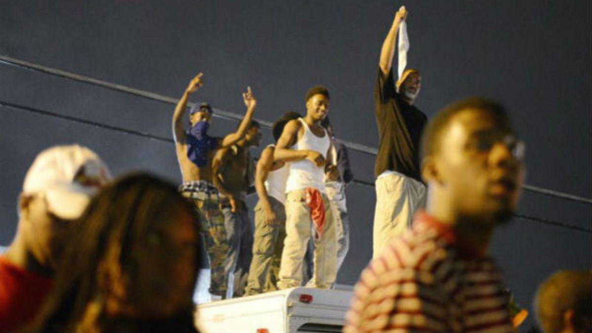 Nuevos disturbios en EEUU tras acusaciones de robo contra joven negro abatido por policías