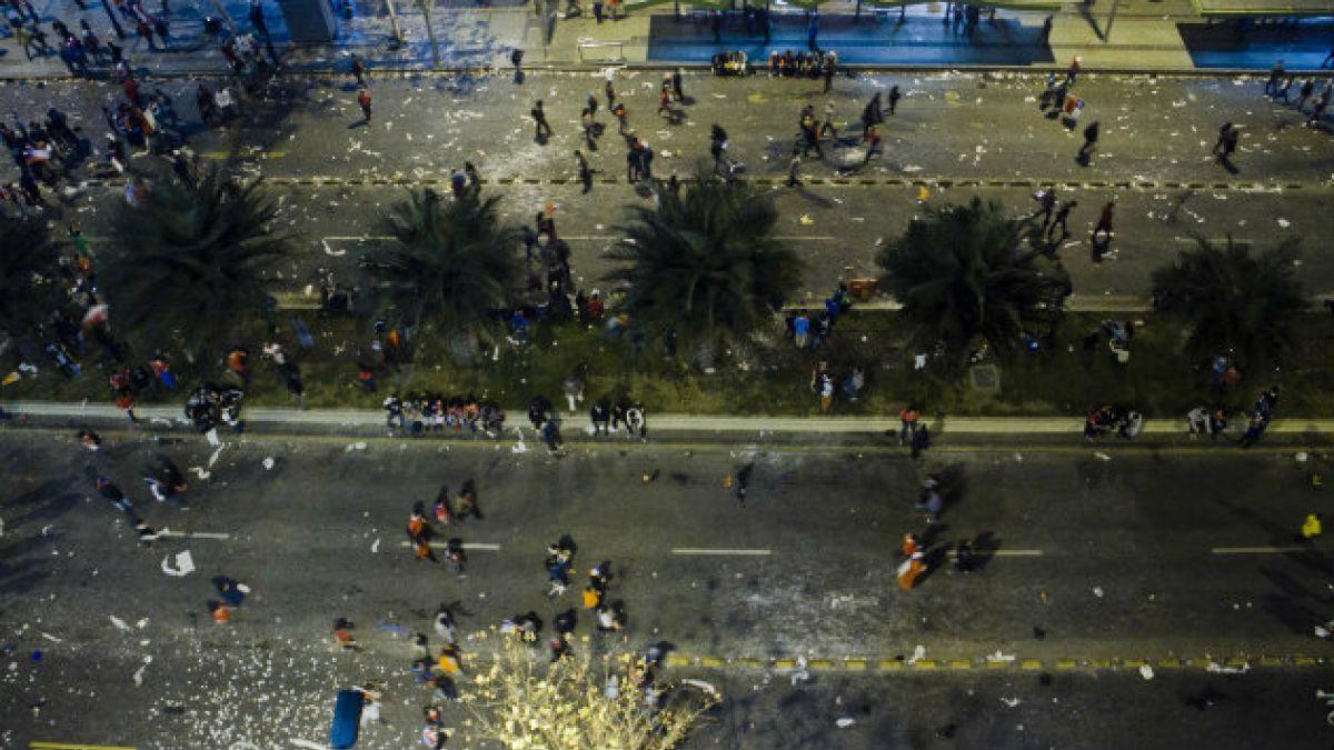Balance de daños por festejos en Santiago: 527 buses dañados y 41 operarios heridos