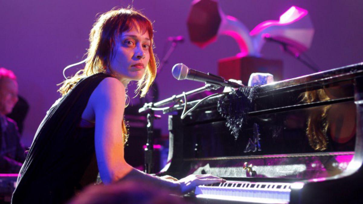 Fiona Apple sorprende con nuevo tema para una serie de tv