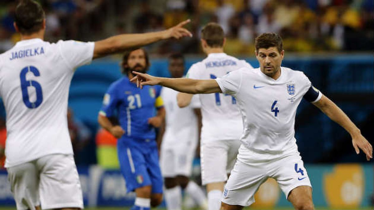 Steven Gerrard anuncia retiro de la Selección inglesa
