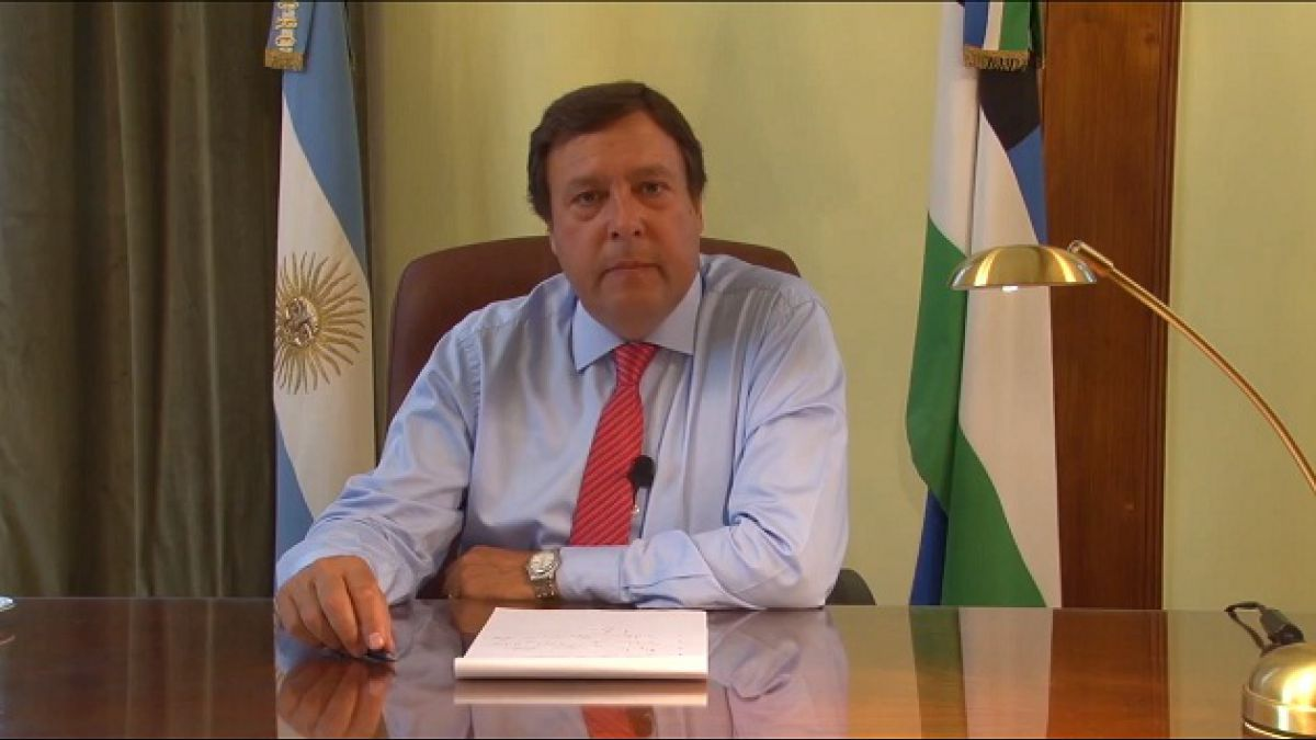 Gobernador argentino despide funcionarios mediante video de Youtube