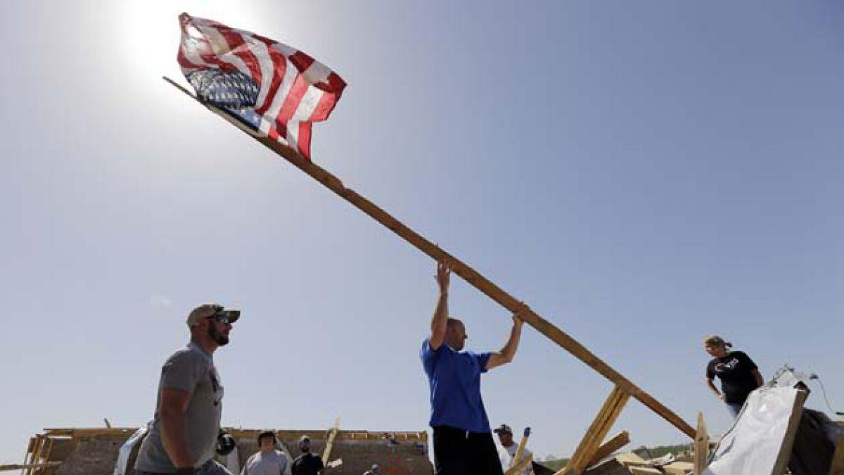12 fotos que muestran el impacto del tornado en Estados Unidos