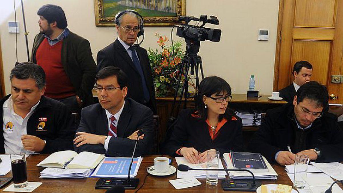 Salario mínimo: Comisión de Hacienda de la Cámara aprueba proyecto de reajuste y lo despacha a la Sa