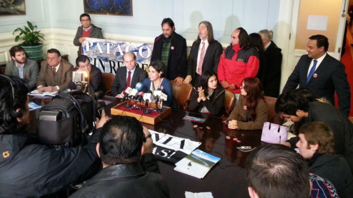 Hidroaysén: parlamentarios y dirigentes llaman al gobierno a rechazar proyecto