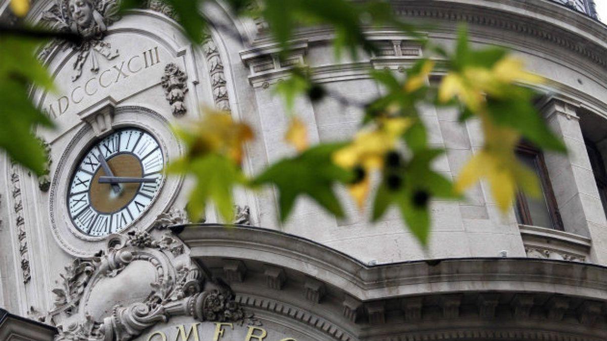 El sábado comienza a regir el horario de verano en Chile