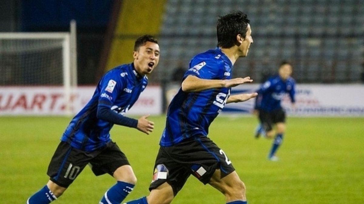 Huachipato se hizo fuerte de local para vencer a San José de Bolivia