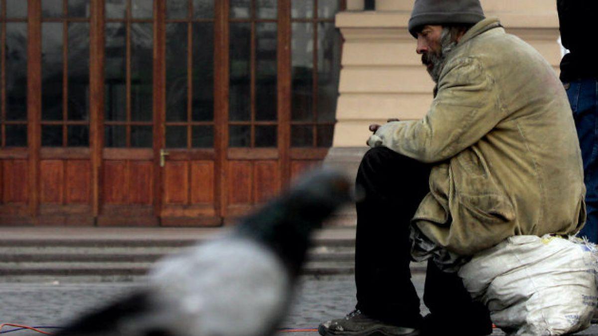 Radiografía a la realidad de las 12 mil personas en Chile que enfrentan el invierno en la calle