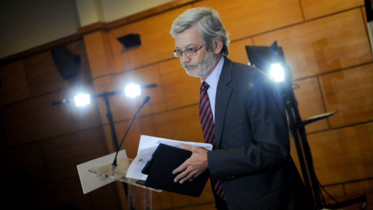 Juan Andrés Fontaine: El Presupuesto es compatible con la ideología estatista que inspira al gobier