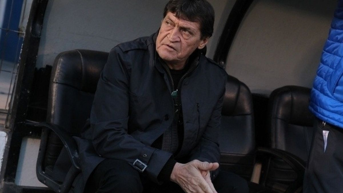 Julio César Falcioni continúa como DT de Universidad Católica