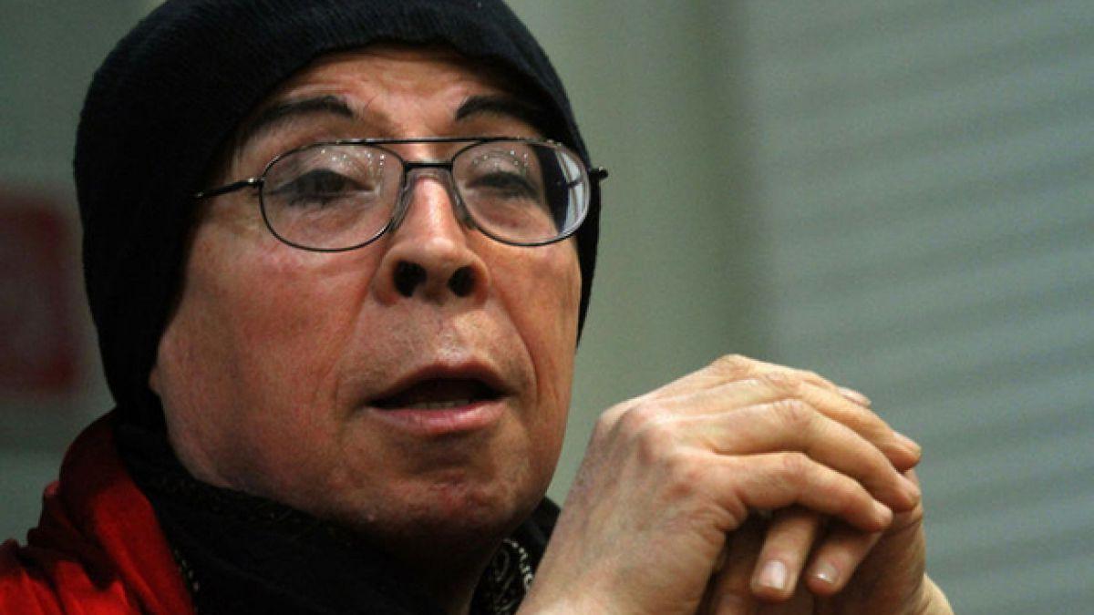 Salud de Pedro Lemebel dificulta su participación en Santiago a Mil