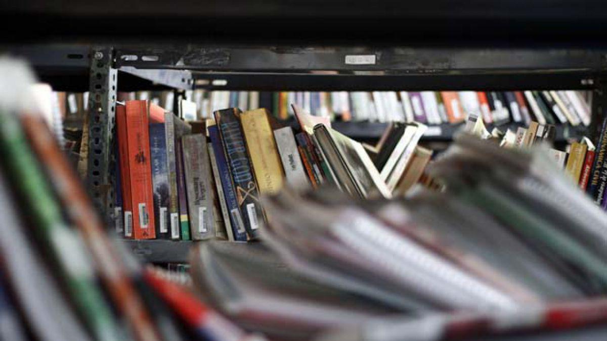 Día Mundial del Libro: encuesta revela lugares preferidos de los chilenos para leer