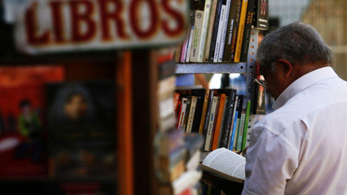 Críticos eligen los mejores libros y escritores chilenos