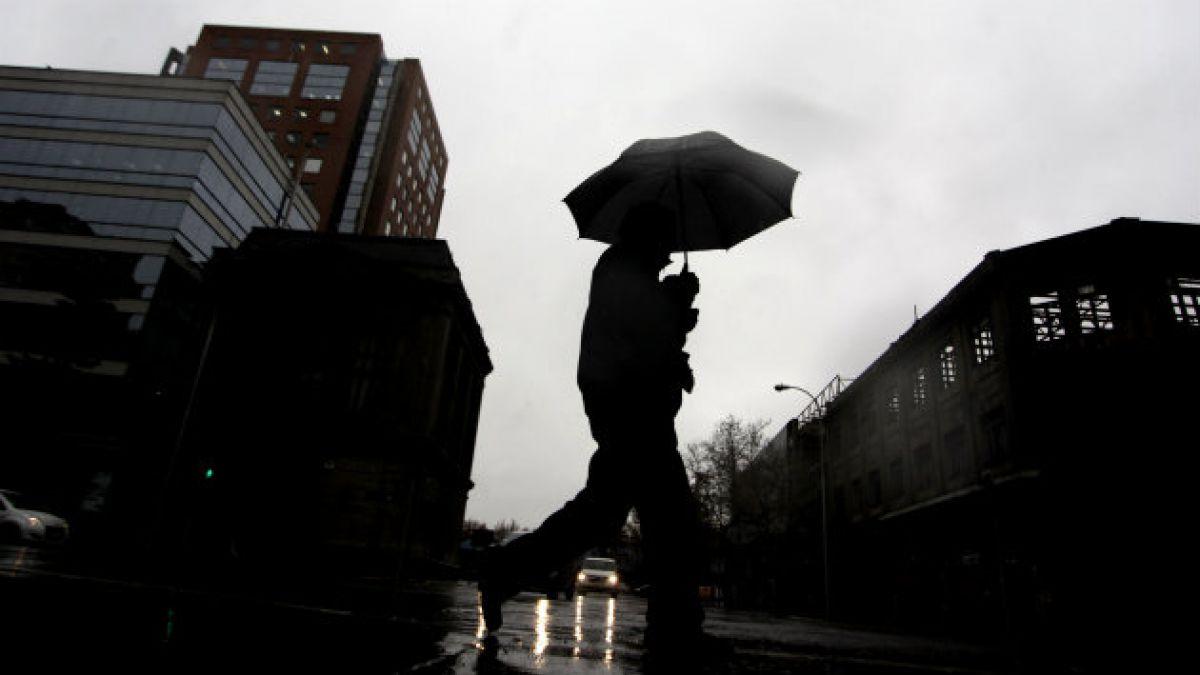 Nueve comunas de la Región Metropolitana en alerta temprana preventiva por eventuales precipitacione