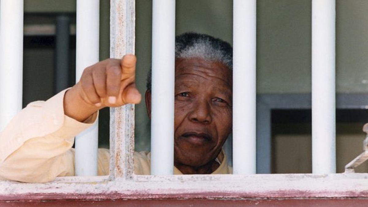 Entregan alta médica a Nelson Mandela