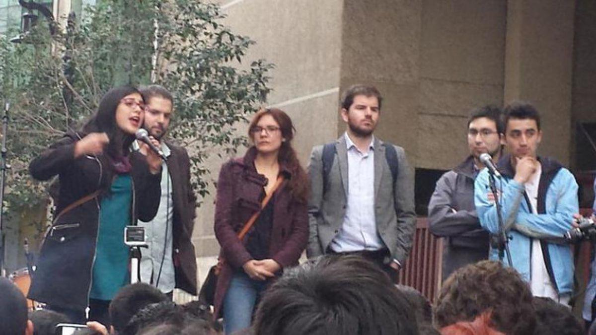 Bancada estudiantil entrega su apoyo a estudiantes en paro de UNAB