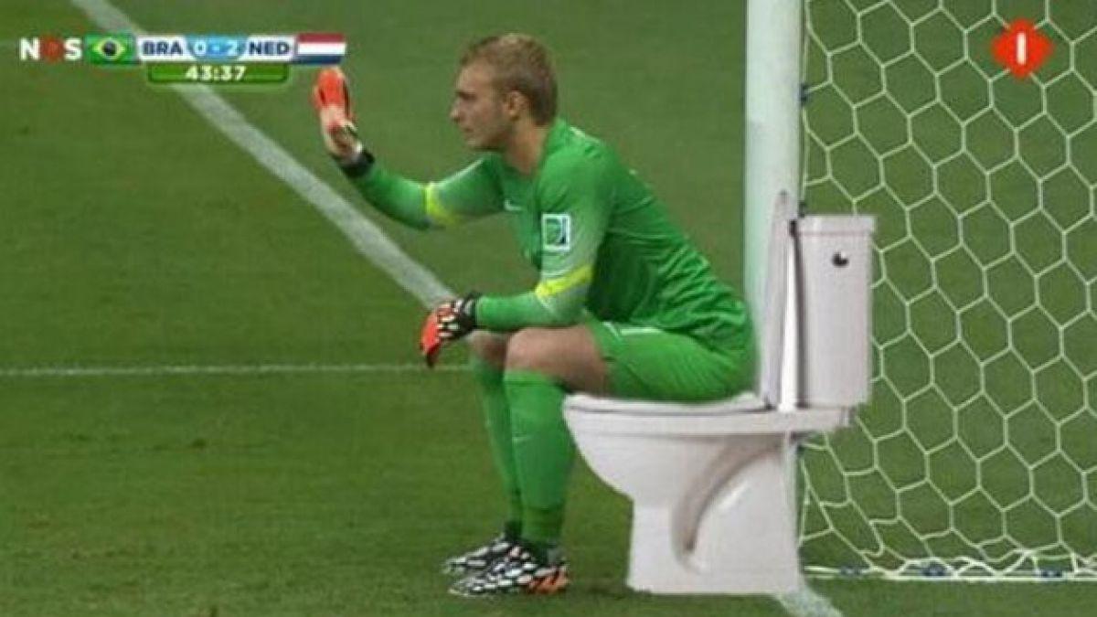 Graciosa pose del portero de Holanda genera ola de memes en la web
