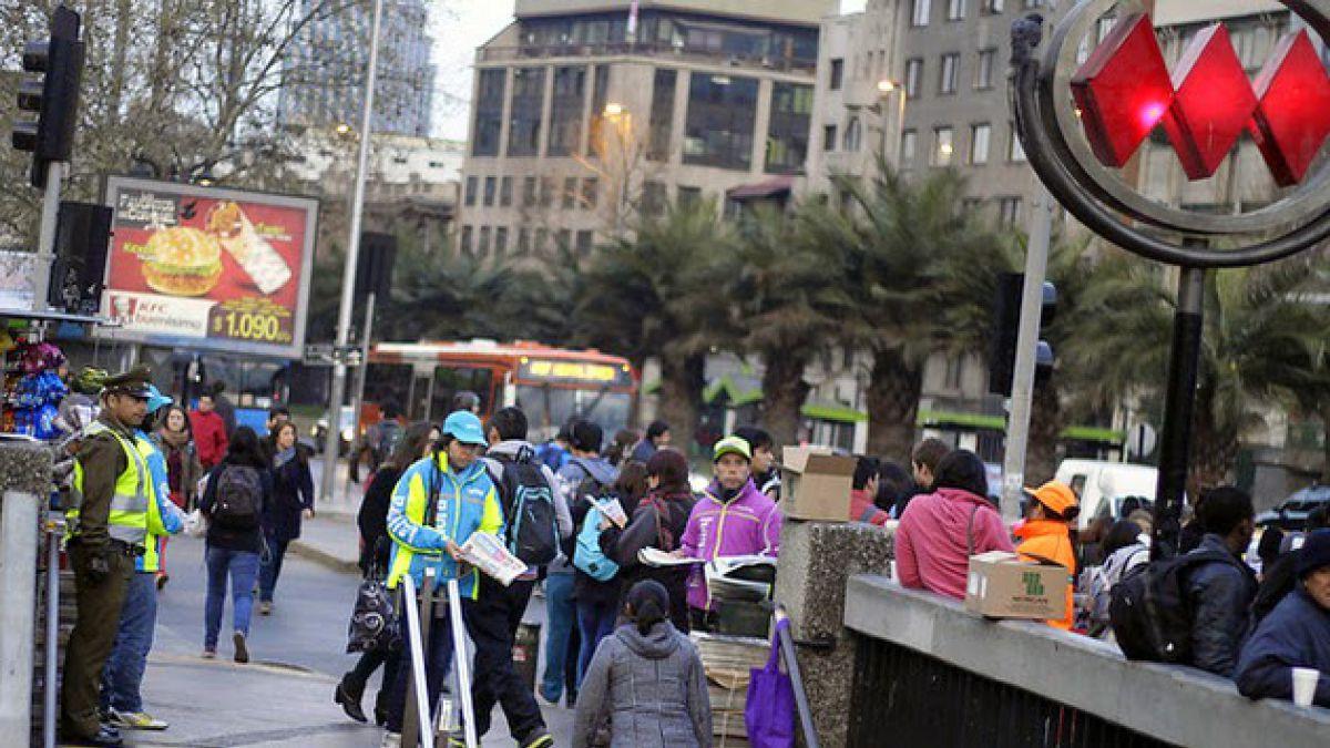 Metro evacua y cierra Estación Baquedano por procedimiento policial