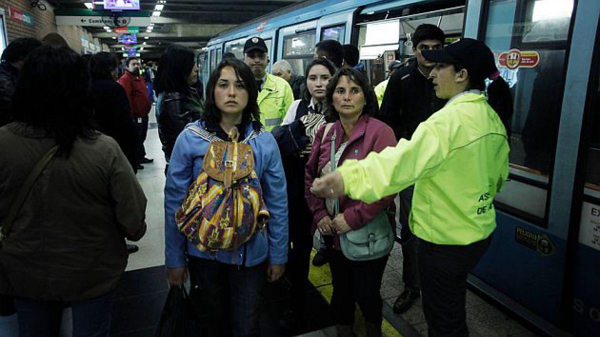Metro asegura que el sistema no está colapsado y descarta que ambas fallas estén relacionadas