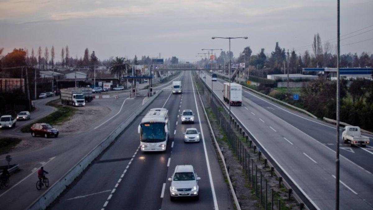 Tranvías en regiones o Línea 7 de metro: ¿Cuáles son las deudas de Chile en OO.PP. e infraestructura