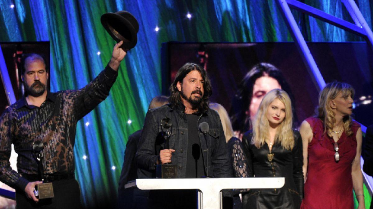 Homenajes a Nirvana y emotivo reencuentro marcan nueva versión del Salón de la Fama del Rock and Rol