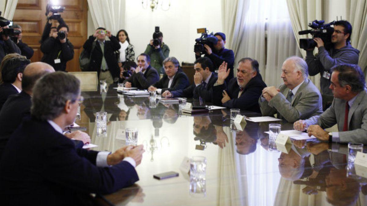 Oficialismo apela a RN para reformas tributaria y al sistema binominal