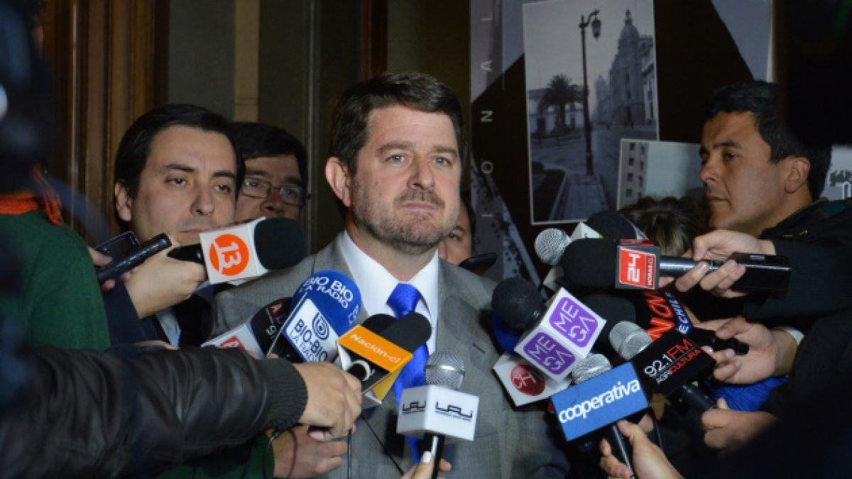 Intendencia se querellará en contra de barristas que protagonizaron incidentes en el estadio Naciona