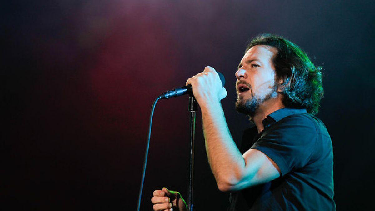 Pearl Jam toca hit de película Frozen durante show en Italia