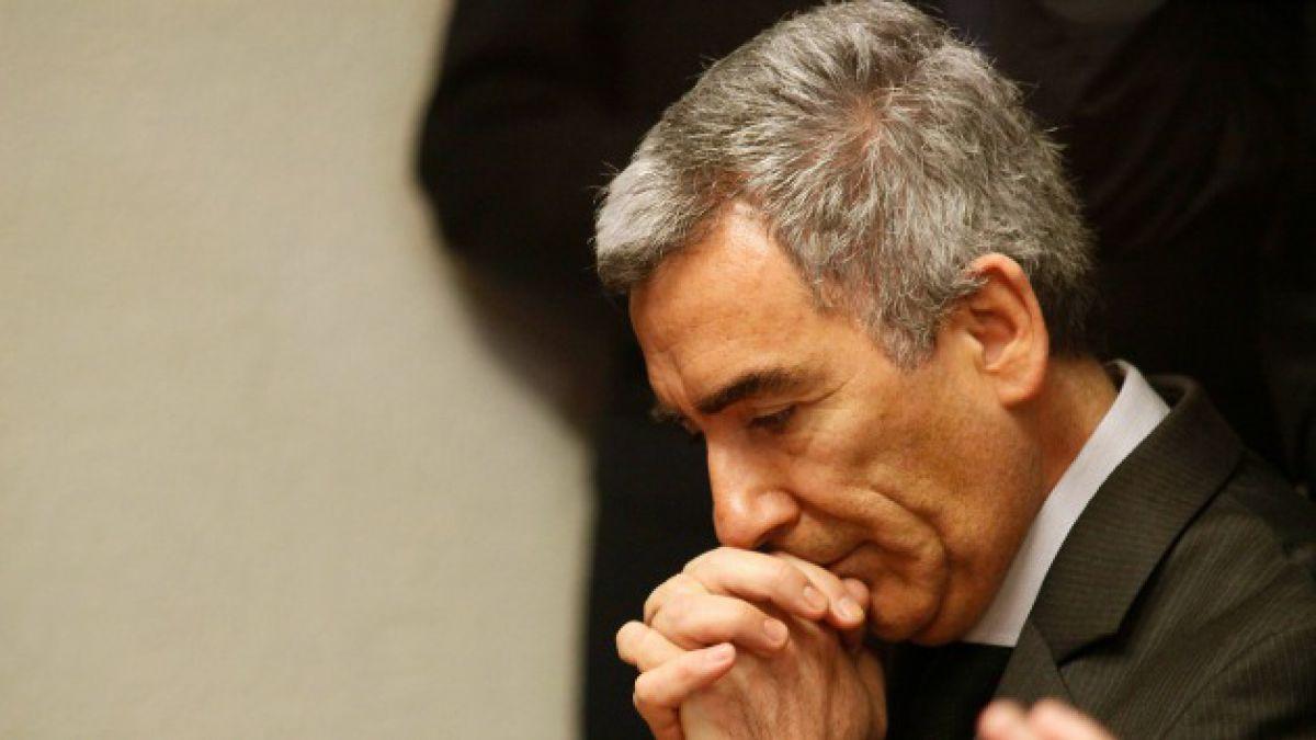 Carlos Peña critica giro de ministro Eyzaguirre