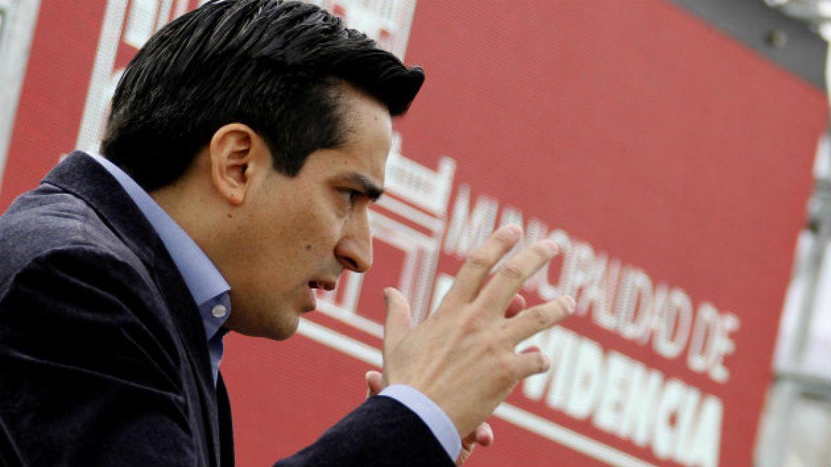 Ministro Peñailillo: ¿Por qué no dicen que no quieren cambiar el sistema electoral porque subsidia