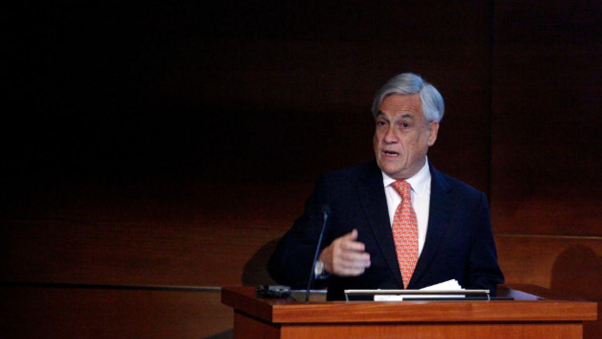 """Sebastián Piñera: """"En vez de enviar a cinco ministros a descalificarme, el gobierno debería aprender"""