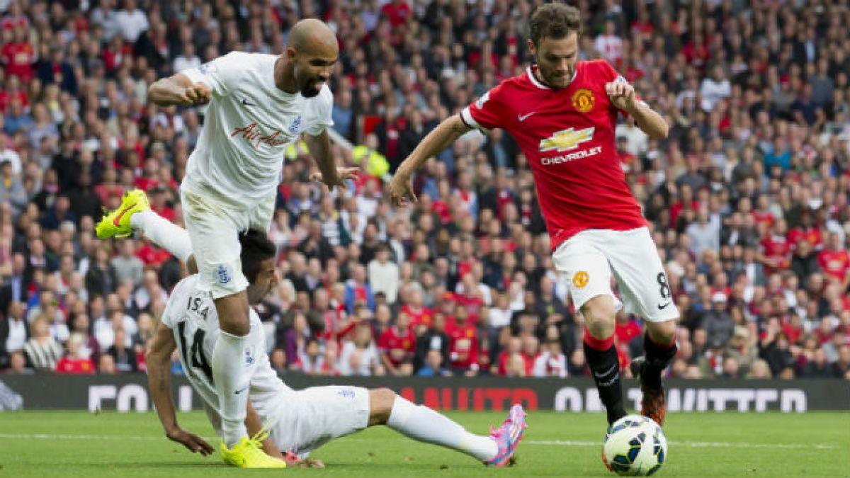Eduardo Vargas debuta en una dura derrota del Q.P.R. ante el Manchester United