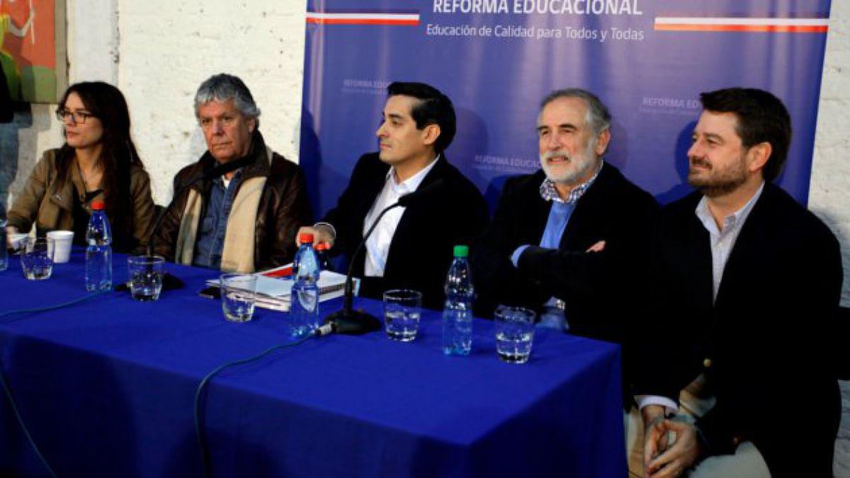 """Nueva Mayoría explica """"en terreno"""" proyecto de Reforma Educacional"""