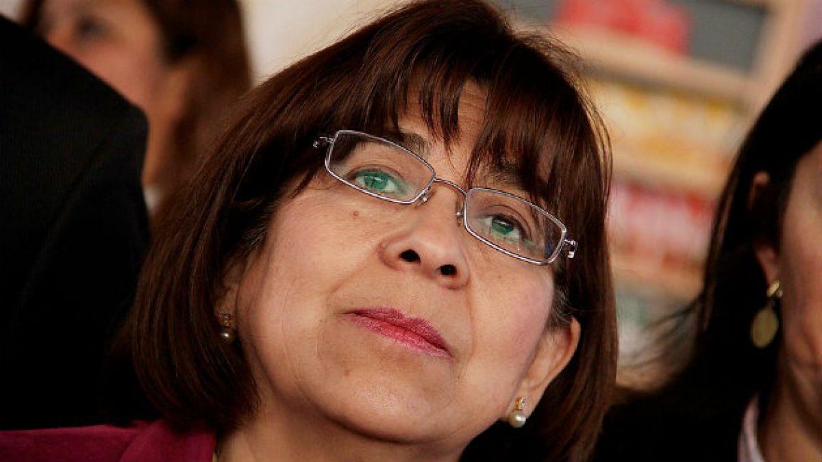 Rosa Oyarce y ex abogado del caso tsunami desafían a Monckeberg y presentan lista para competir por