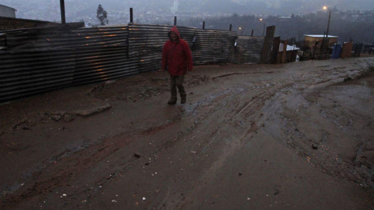 Más de 1.600 damnificados y de 10 mil aislados por temporal según balance de la Onemi