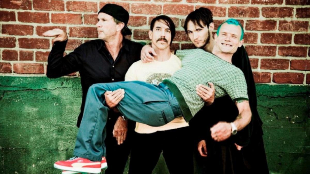 12 cosas que no sabías de los Red Hot Chili Peppers a 30 años de su primer disco