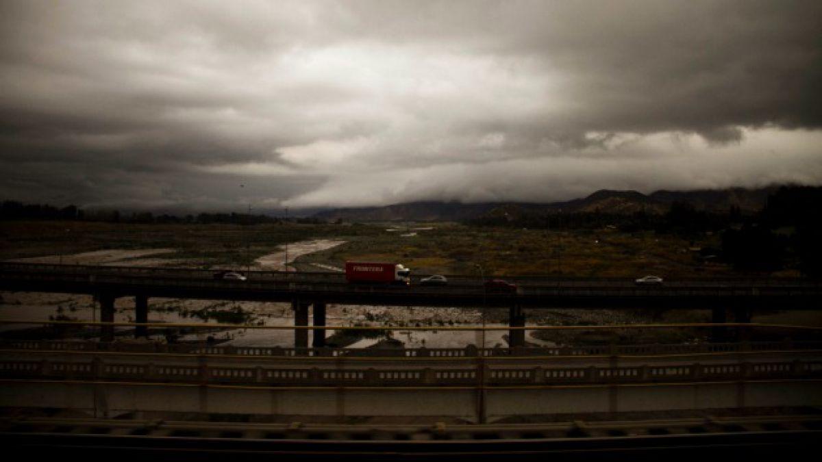 Advierten complejo panorama hídrico en Región Metropolitana: sequías se duplicarán en 30 años más