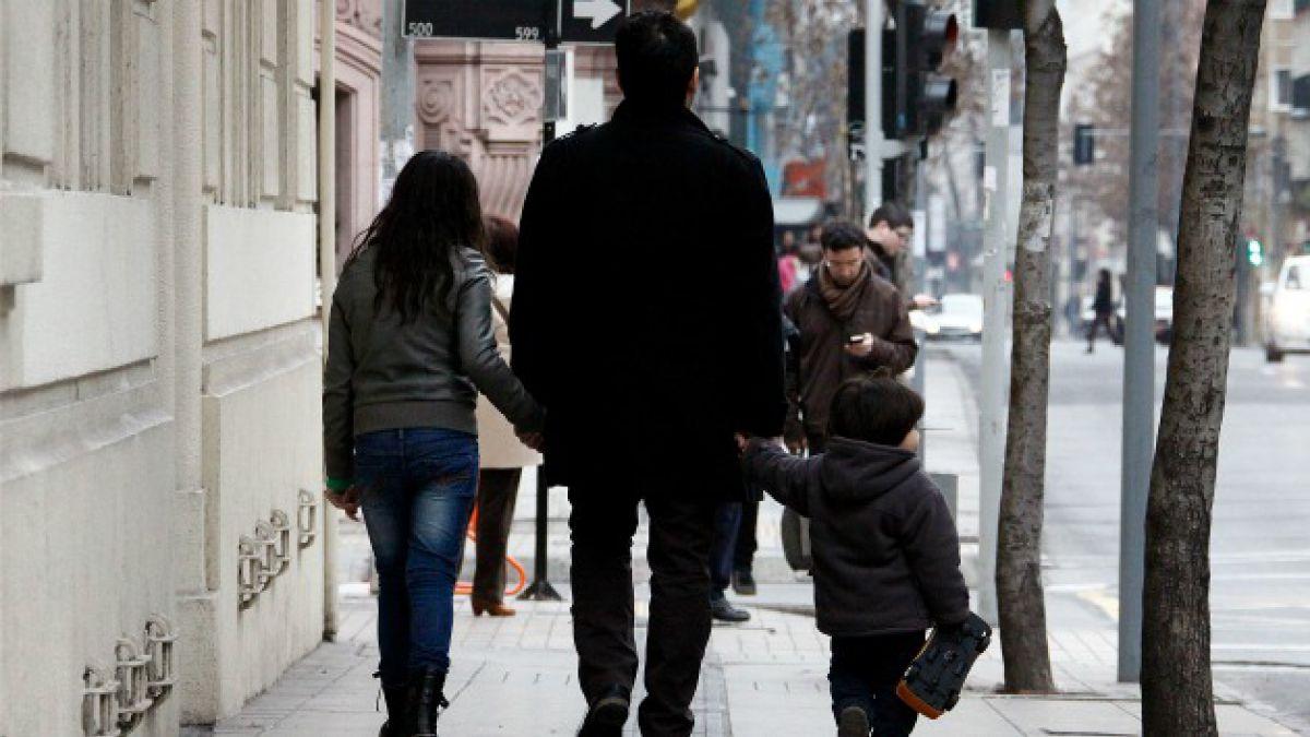Suicidio de hombres triplica al de mujeres y cifra total aumenta 14% entre 2000 y 2012 en Chile
