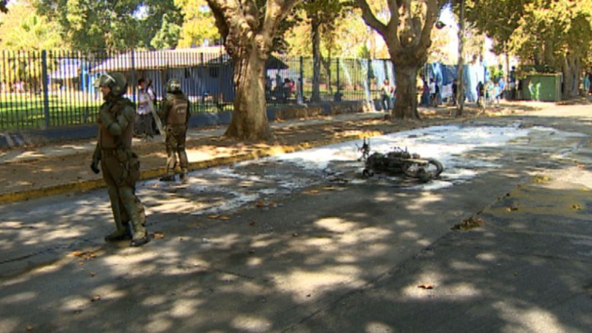 Carabinero herido con bomba molotov se encuentra grave pero fuera de riesgo vital