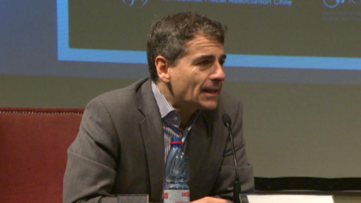 Pablo Halpern confronta a Cadem por efectos de caso Penta en opción de Andrés Velasco