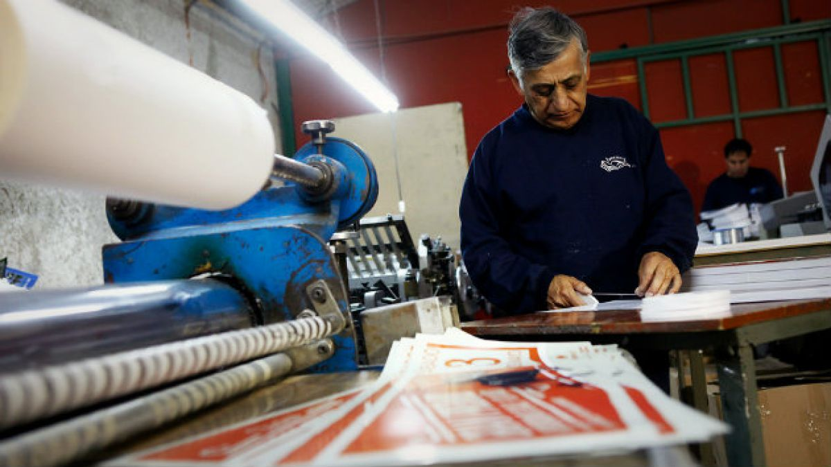 Chilenos y empleo: El nivel de renta es el factor más importante de la satisfacción laboral