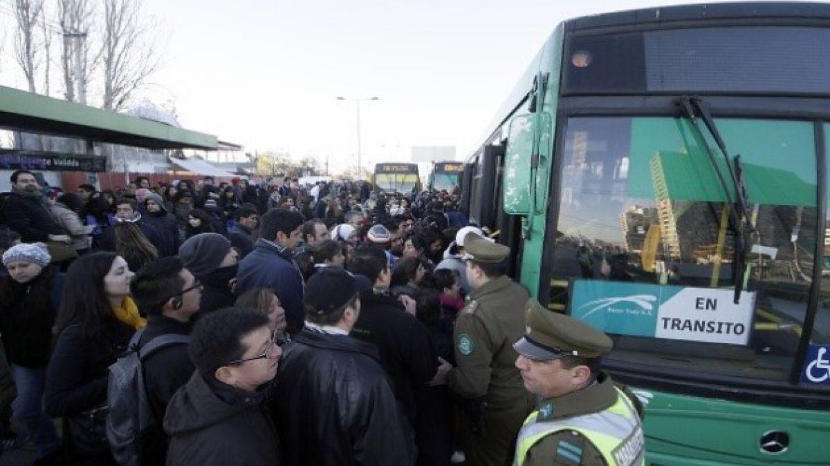 Transporte Público y Transantiago entre los temas de manejo de gobierno peor evaluados