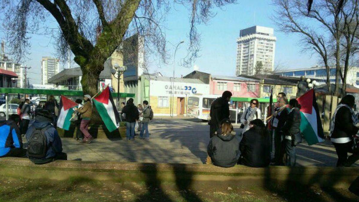 Seremi de vivienda de la Araucanía participa en acto en que se quemó bandera de Israel y dice que Ba