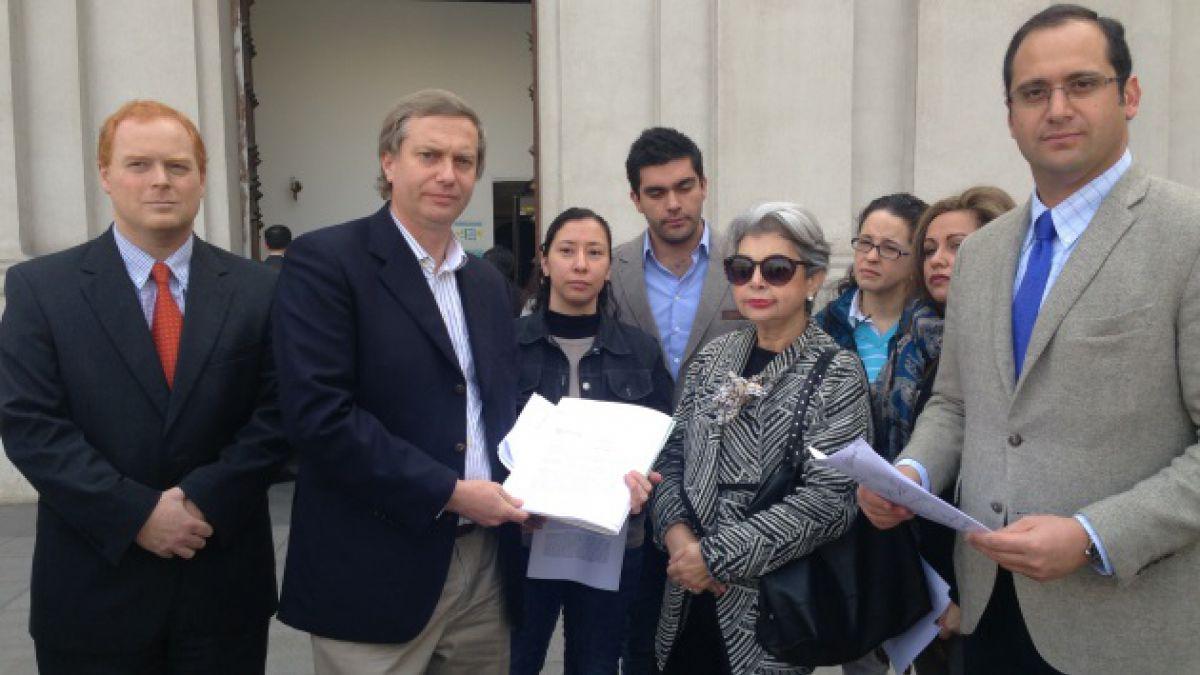 UDI, RN y dirigentes venezolanos entregan carta a Bachelet para que intervenga por violaciones a DD.