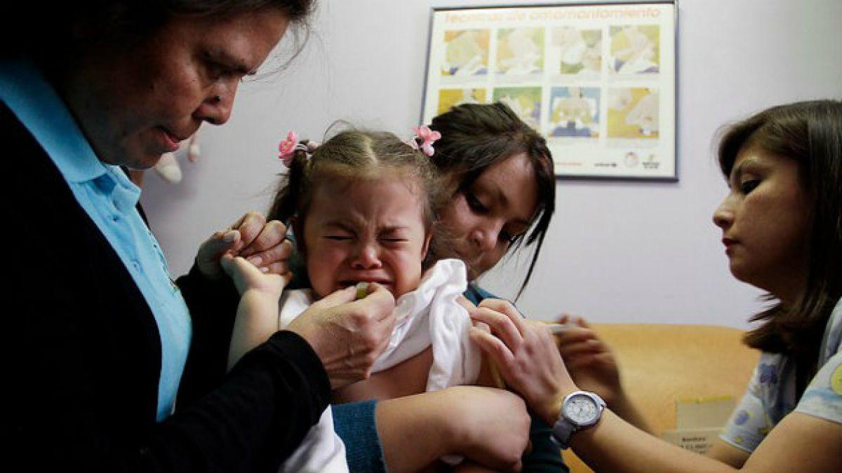 Polémica por política contra meningitis W-135 : preocupan altas cifras de niños no vacunados